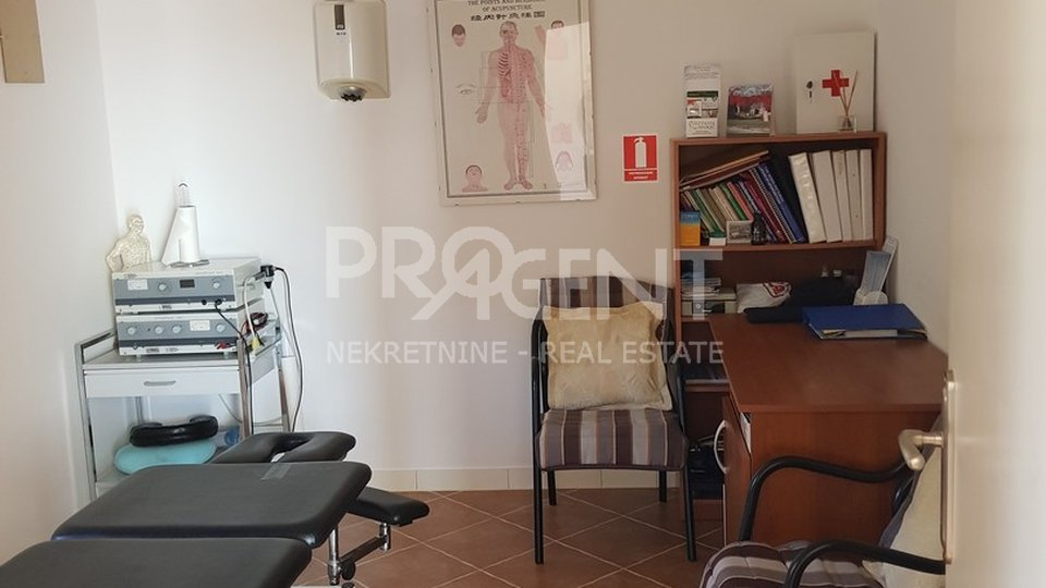 Commercial Property, 160 m2, For Sale, Brtonigla - Fiorini