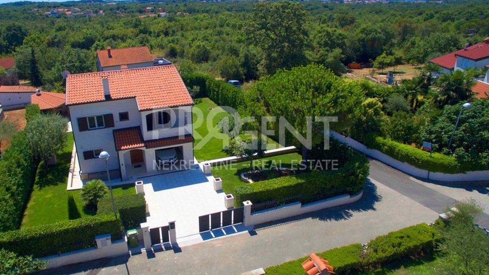House, 198 m2, For Sale, Poreč