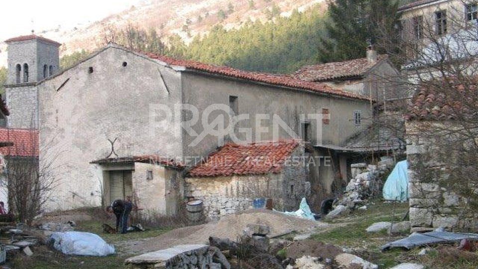 An old stone house in Ćićarija