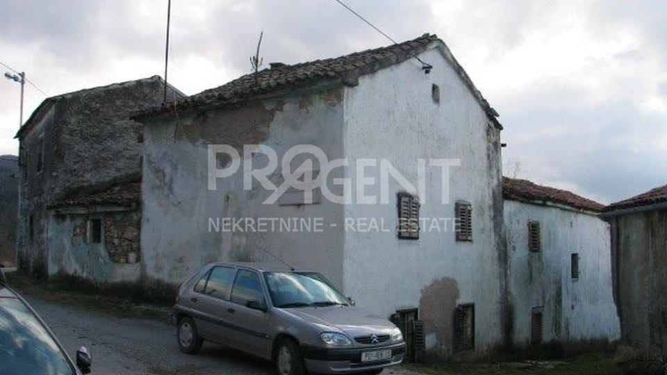 Stara kamena kuća na Ćićariji