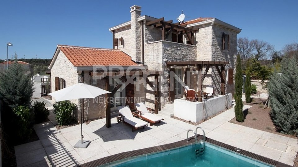 House, 120 m2, For Sale, Medulin