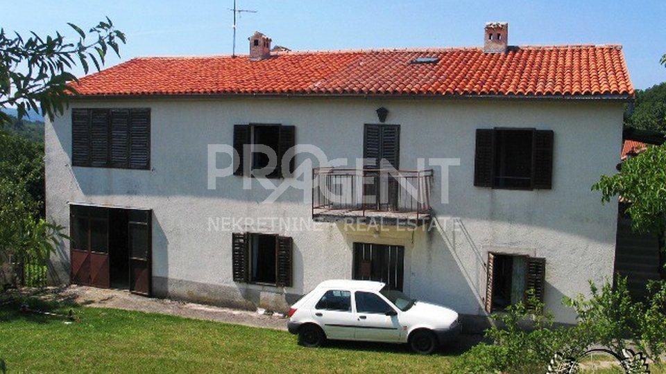 Samostojeća kuća s dvije stambene
