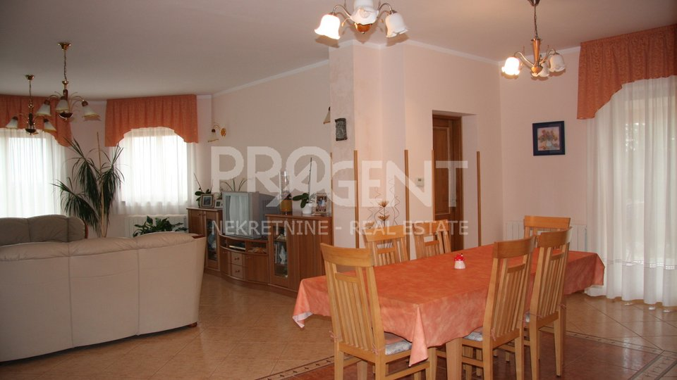 House, 352 m2, For Sale, Buzet - Krušvari