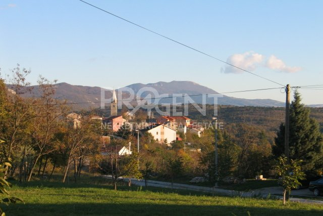 Land, 898 m2, For Sale, Buzet - Roč