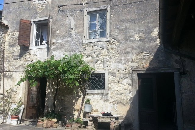 House, 252 m2, For Sale, Buzet