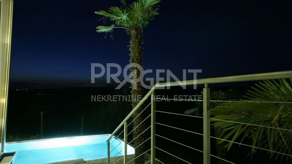 House with swimming pool and view on Motovun