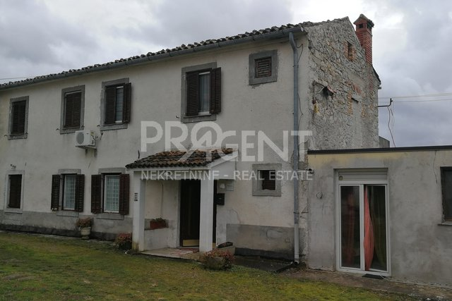 House, 202 m2, For Sale, Buzet - Roč