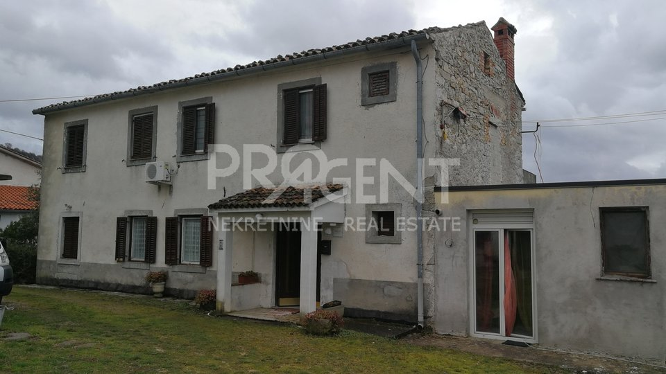Partially renovated house near Roc