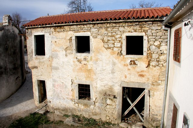 Istria, stone house for renovation