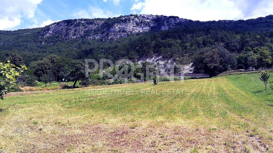 Građevinsko zemljište kod Roča