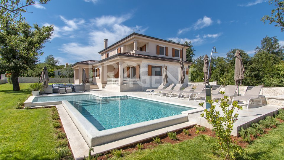 House with swimming pool, near Rovinj