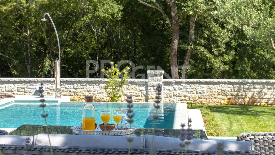 House, 250 m2, For Sale, Rovinj