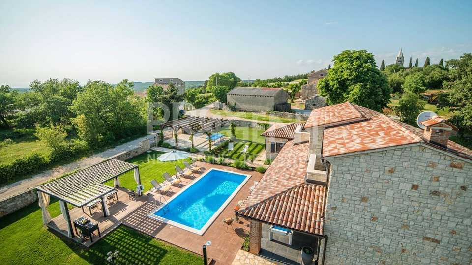 Porec, rustic house with pool