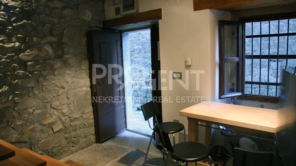 Detached house in the old town of Buzet