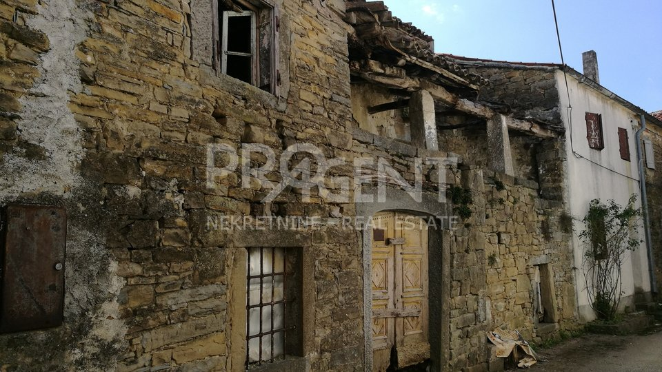 Old stone house for renovation