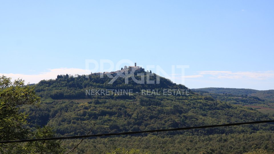 Istria, an old stone house with a view of Motovun