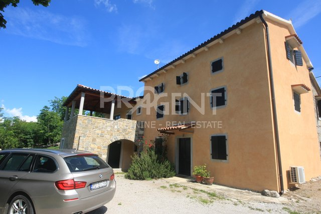 House, 379 m2, For Sale, Buzet - Hum