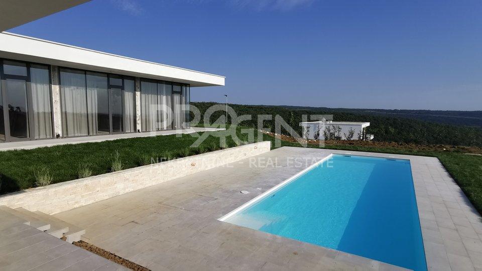 Istra, nova vila s bazenom i pogledom na more