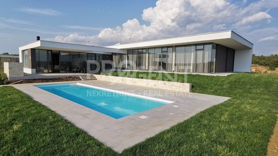Istrien, neue Villa mit Pool und Meerblick