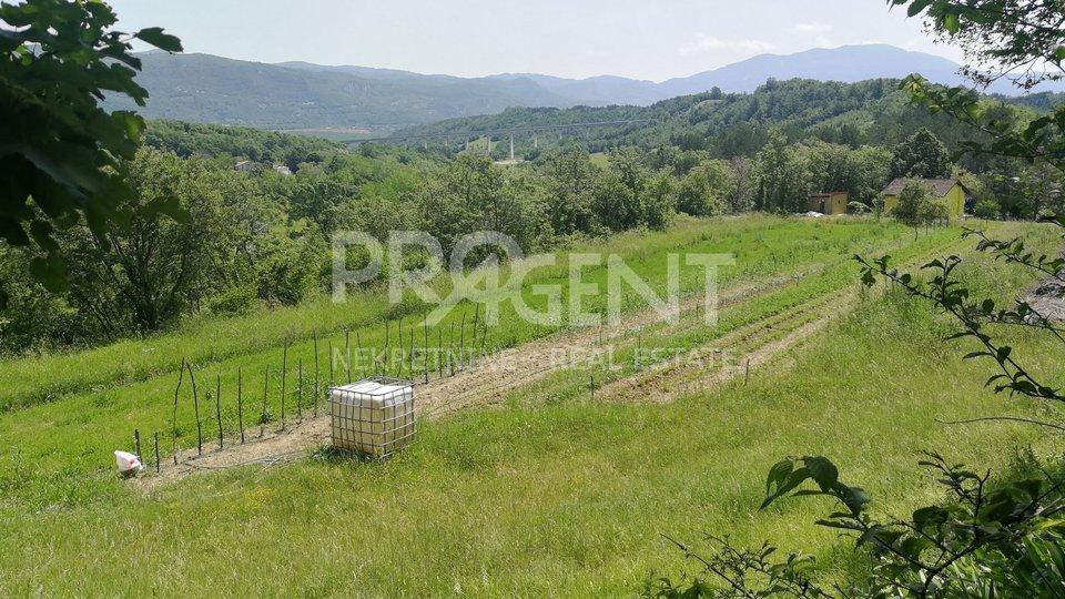 Istrien, ein Bauland in der Nähe von Hum