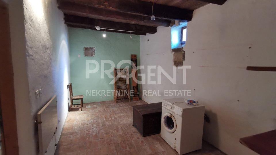 House, 92 m2, For Sale, Oprtalj