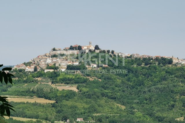 Istria, ruinous houses and land with a view of Motovun