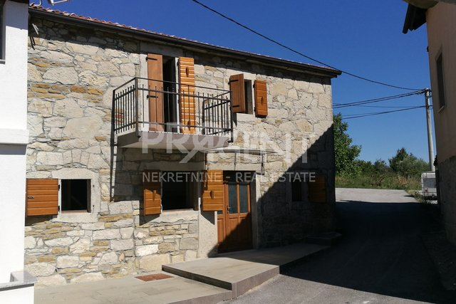 Renovated stone house near Buzet (surroundings)