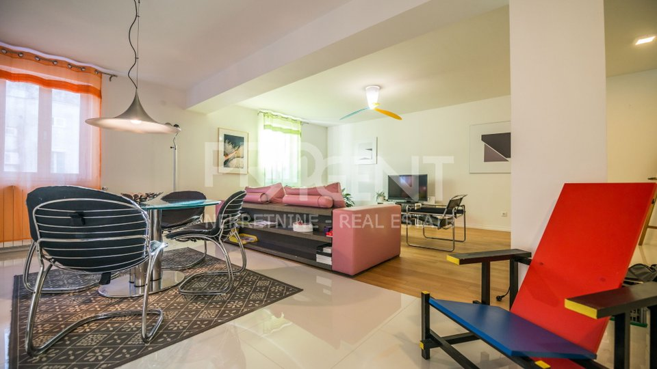 Three bedroom apartment in the center of Porec