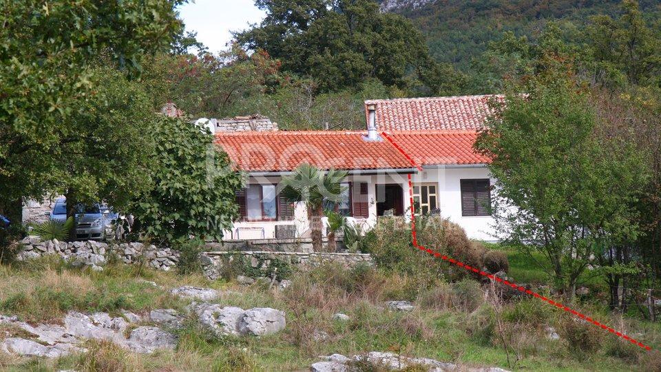 Semić, Eingerichtetes Ferienhaus in der Nähe von Lupoglav