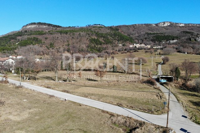 Grundstück, 1330 m2, Verkauf, Lupoglav - Semić