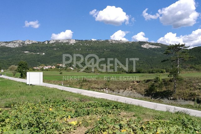 Land, 944 m2, For Sale, Buzet