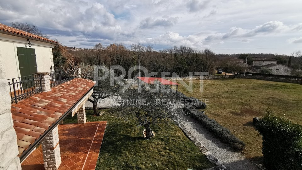 Detached house with swimming pool near Sv. Lovreč