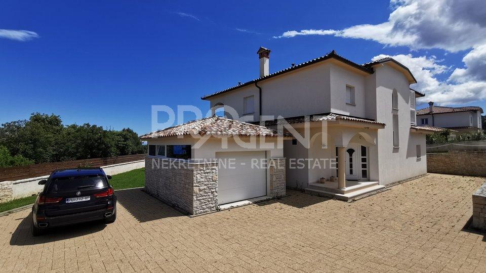 House, 300 m2, For Sale, Labin