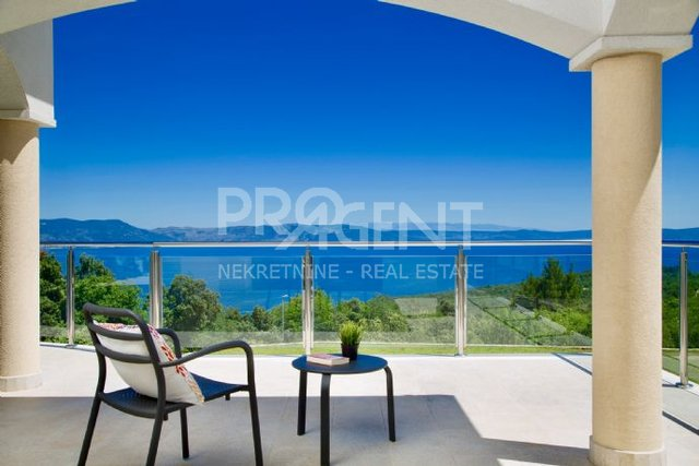 House, 300 m2, For Sale, Labin