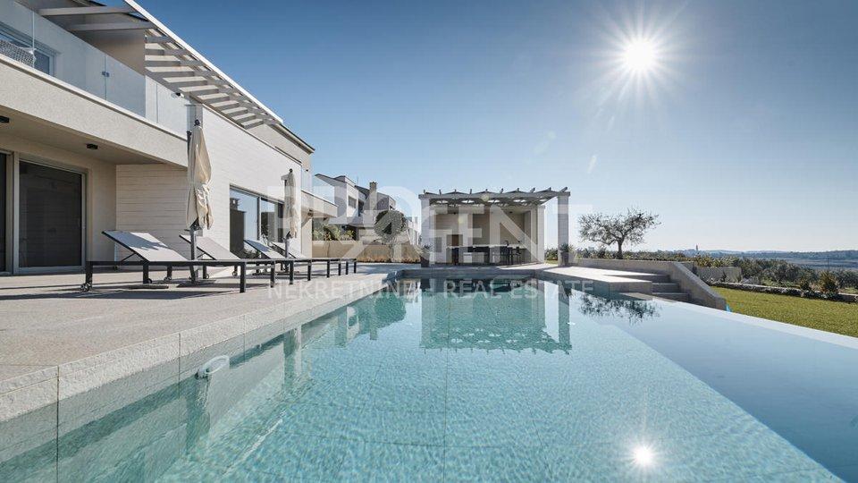 Luxus voll ausgestattete Villa mit Meerblick