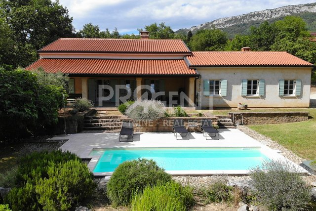 House, 311 m2, For Sale, Buzet