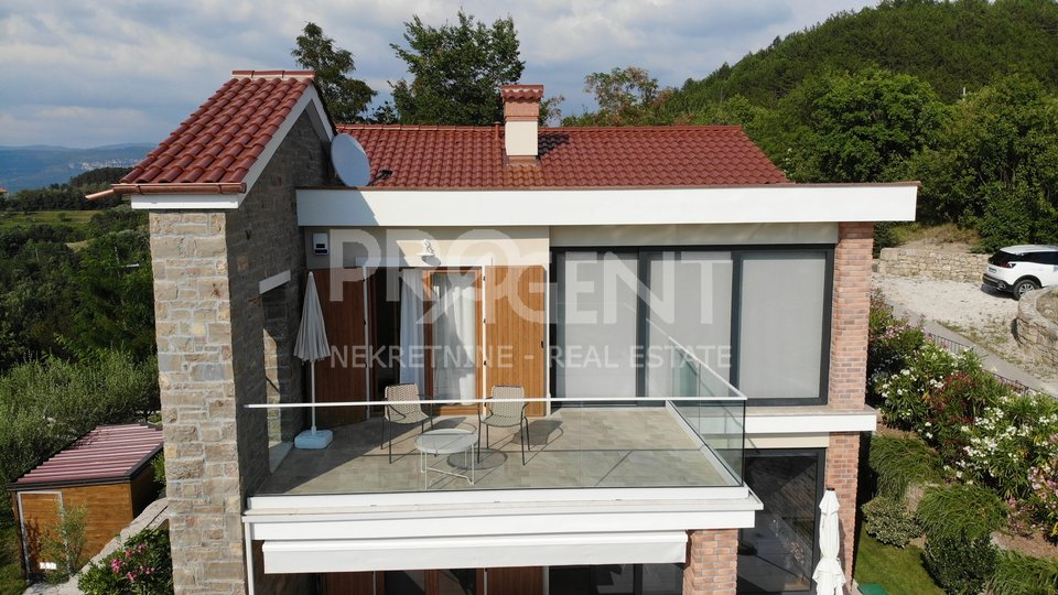 Istria, Attractive modern villa with a view of Draguć