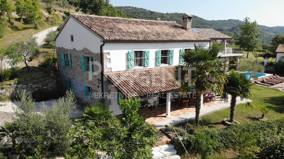Eco property on 2,5 hectares of land