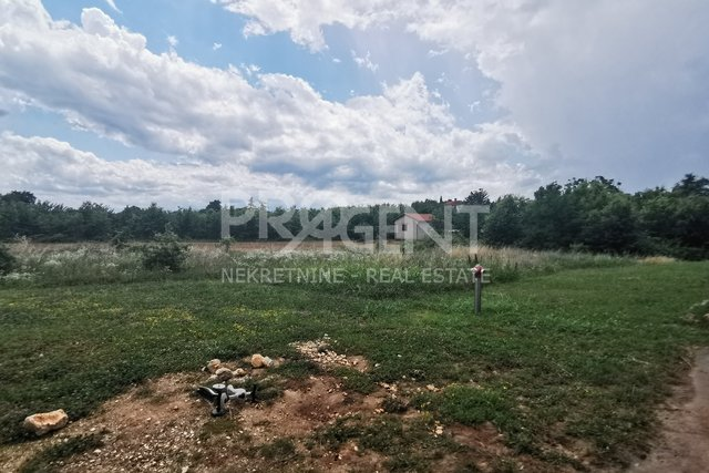 Land, 1660 m2, For Sale, Poreč