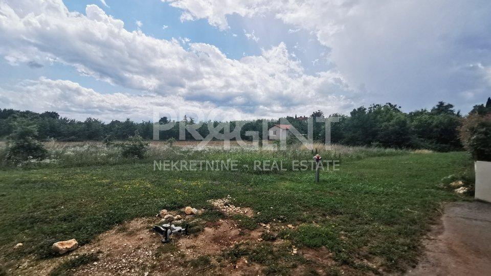 Land, 1660 m2, For Sale, Poreč