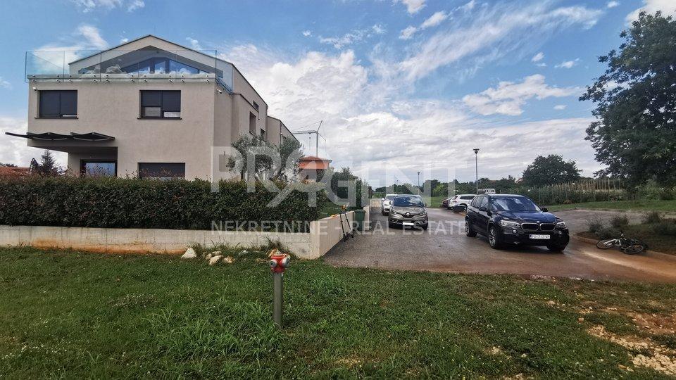 Grundstück, 1660 m2, Verkauf, Poreč