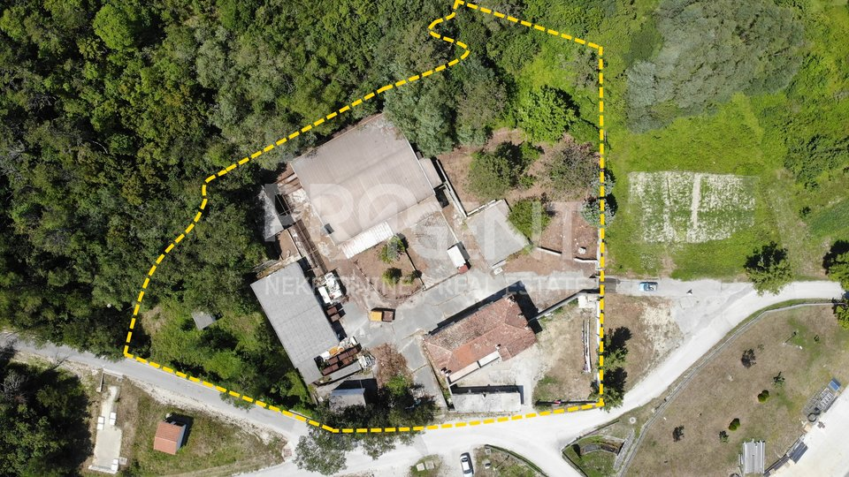 Istria/Buzet, commercial property in the business zone