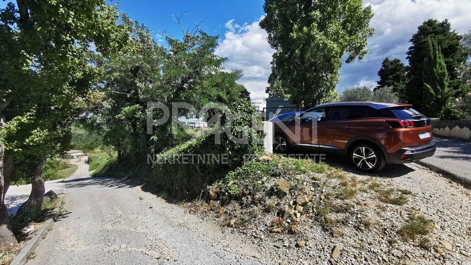 Land, 1055 m2, For Sale, Buje - Momjan