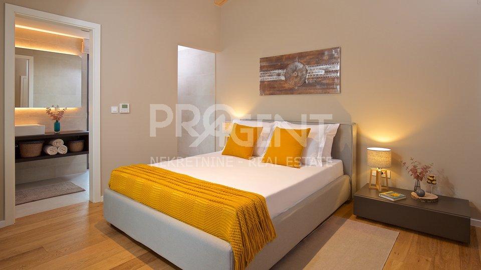 House, 375 m2, For Sale, Brtonigla