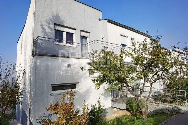 Istria, Buzet, three bedroom duplex apartment with garage