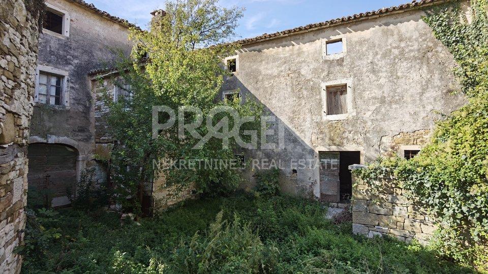 House, 600 m2, For Sale, Buje - Momjan