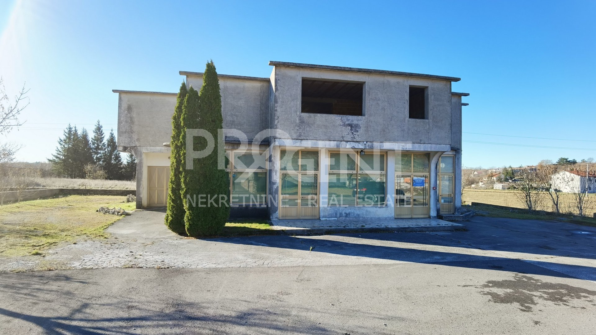Commercial Property, 325 m2, For Sale, Buzet - Ročko Polje