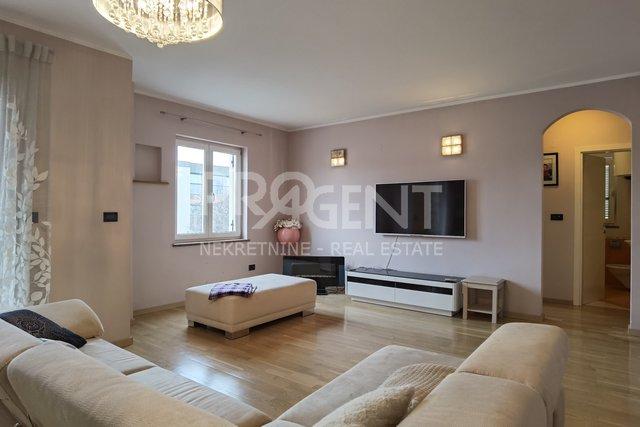 Istrien, Rovinj, Apartment mit fünf Schlafzimmern und Garage
