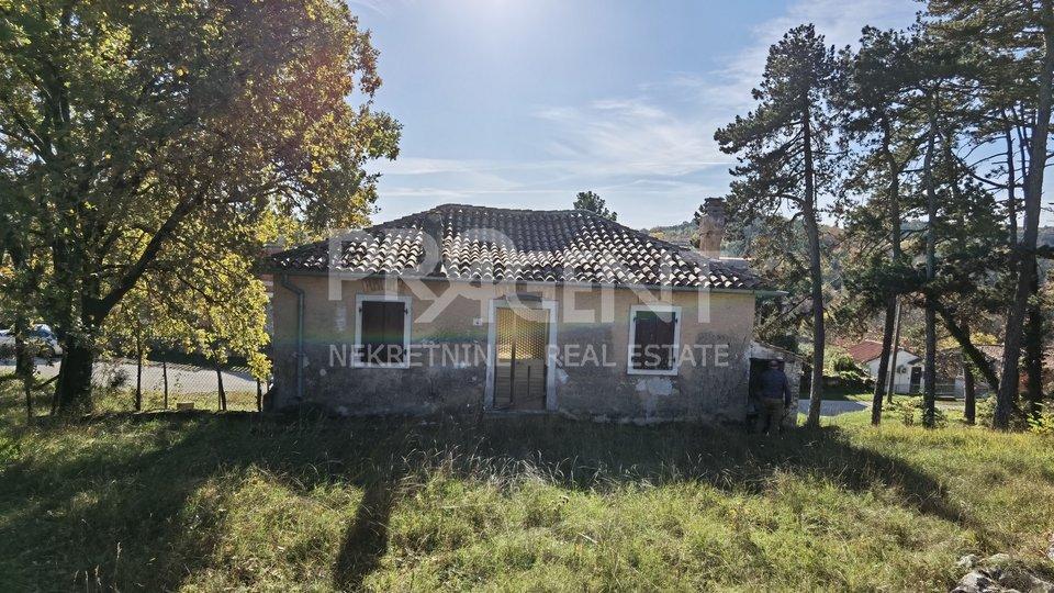 Istra, kamena kuća kod Oprtlja