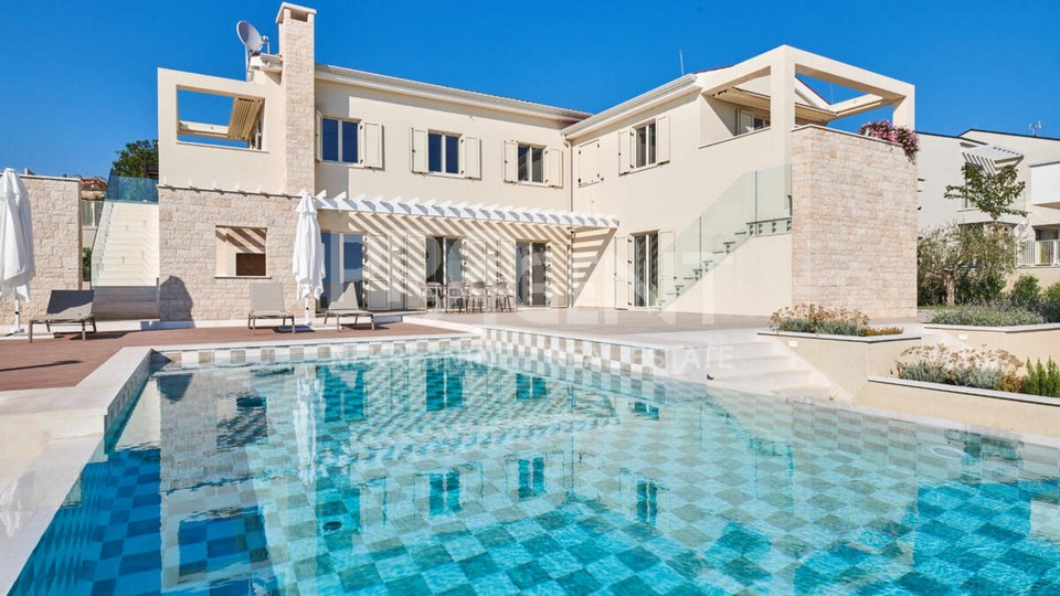 Casa, 248 m2, Vendita, Višnjan